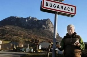 bugarach-ses-paysages-son-eglise-son-maire-ses-pistes_975977_460x306